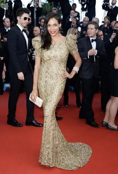 Rosario Dawson looking stunning in Marchesa Resort 2013 Gold Embellished Dress for Cleopatra Premier