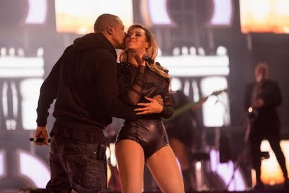 Beyonce and Jay z on stage performing Crazy in love.