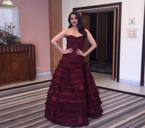 aishwarya at the jazbaa premier in cannes