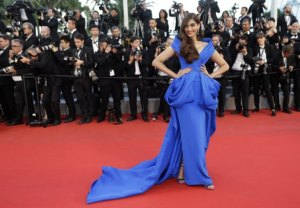 sonam kapoor in a ralph russo couture gown